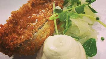 Crispy mackerel, fennel aioli & fennel salad